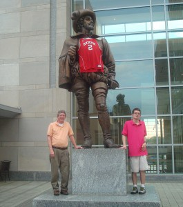 Sir Walter Raleigh loves the NCSU Wolfpack!