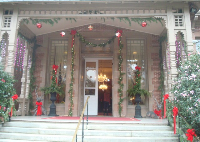 Downtown Raleigh is Decorated for Christmas