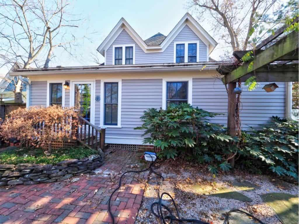 207 Linden Avenue, Raleigh, NC, listed by Raleigh Homes Realty